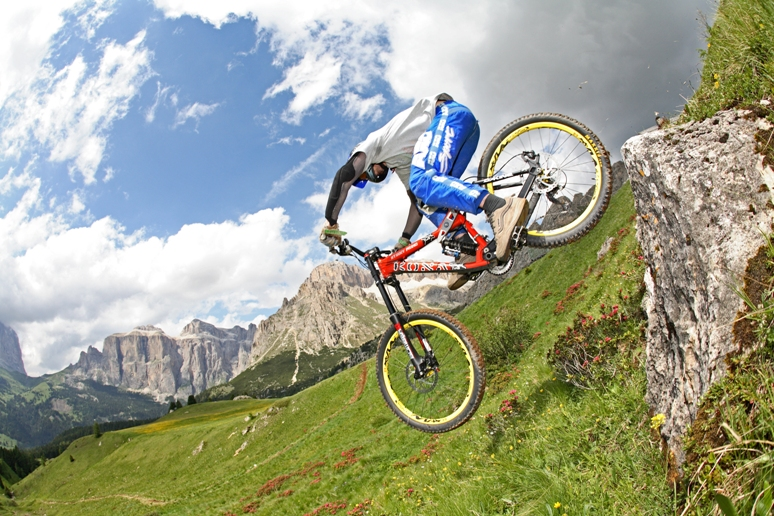 downhill val di fassa