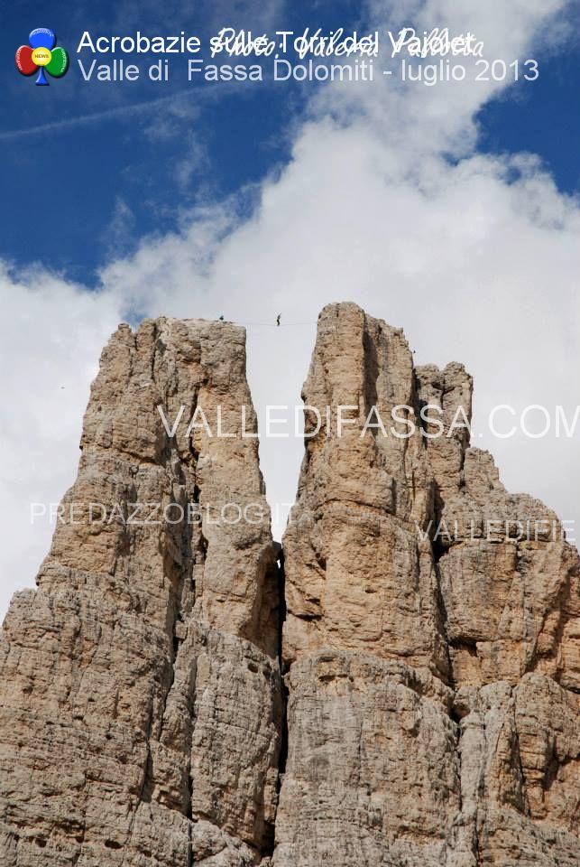 acrobati sulle torri del vaiolet - fassa - luglio 2013 ph Mattia Felicetti2