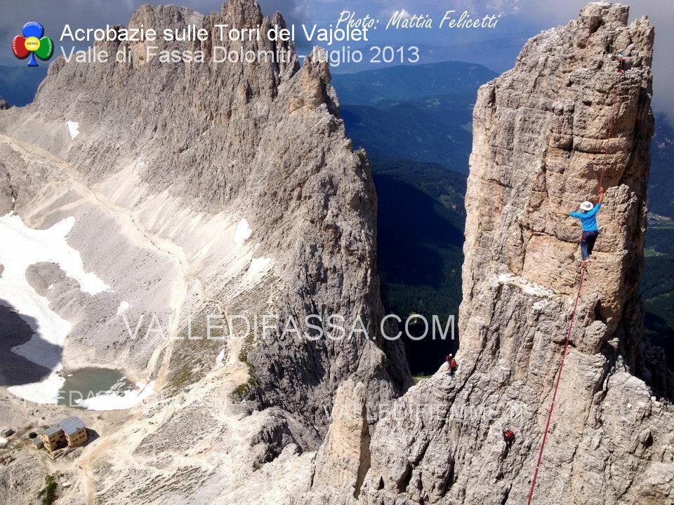 acrobati sulle torri del vaiolet - fassa - luglio 2013 ph Mattia Felicetti3