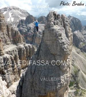 acrobati sulle torri del vaiolet - fassa - luglio 2013 ph Mattia Felicetti6