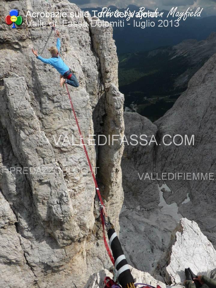 acrobati sulle torri del vaiolet - fassa - luglio 2013 ph Mattia Felicetti7