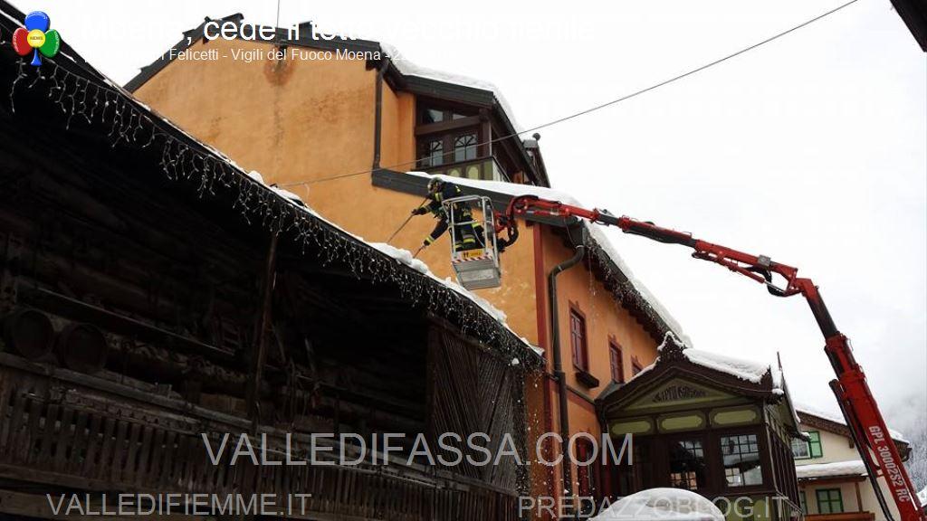moena crollo tetto fienile per neve 22.2.2014 ph christian felicetti3