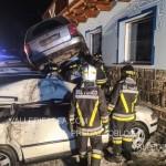 Alba di Canazei incidente nella notte, auto vola, due feriti