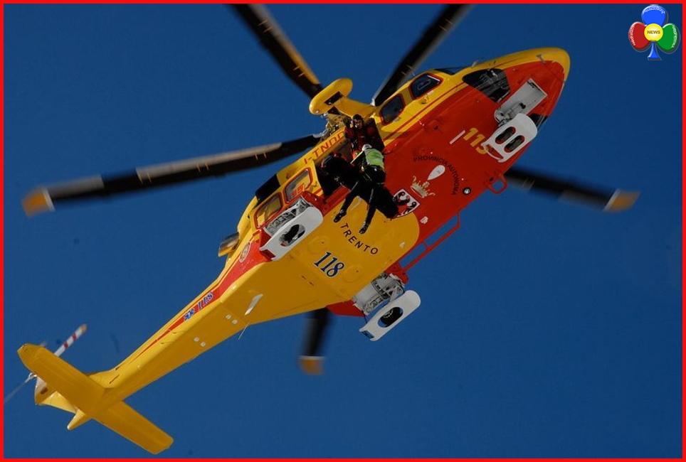 Elicottero Elisoccorso Sardegna : Cade sulle torri del sella muore a anni fassa