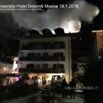 incendio hotel dolomiti moena durante la notte 1
