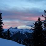 #Trentinoskisunrise: all'alba colazione, sci e pure ciaspole
