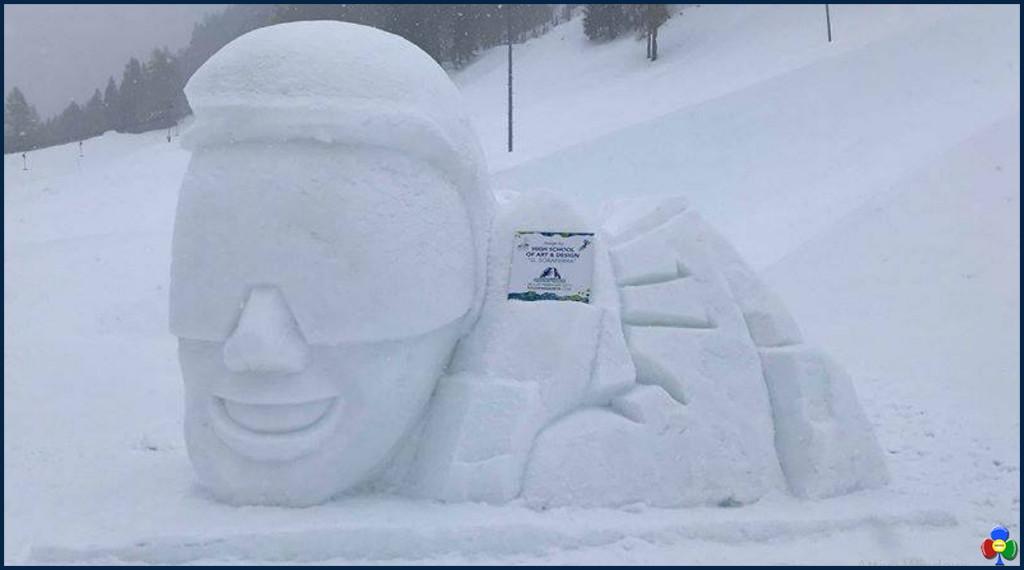 statua ghiaccio a davos studenti fassa