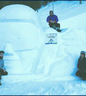 statua ghiaccio a davos studenti fassa 4